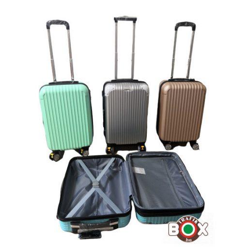 AJÁNDÉK gurulós bőrönd